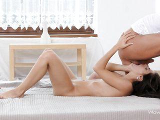 Порно с худенькой красоткой