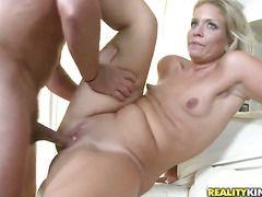 Порно огромных жоп зрелых дам