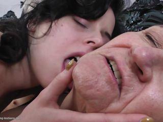 Порно зрелых хд