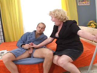 Порно бабушки за 70